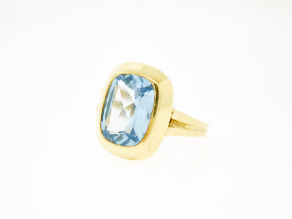 Estate-Rings - 14KY BLUE TOPAZ BEZEL SET RING