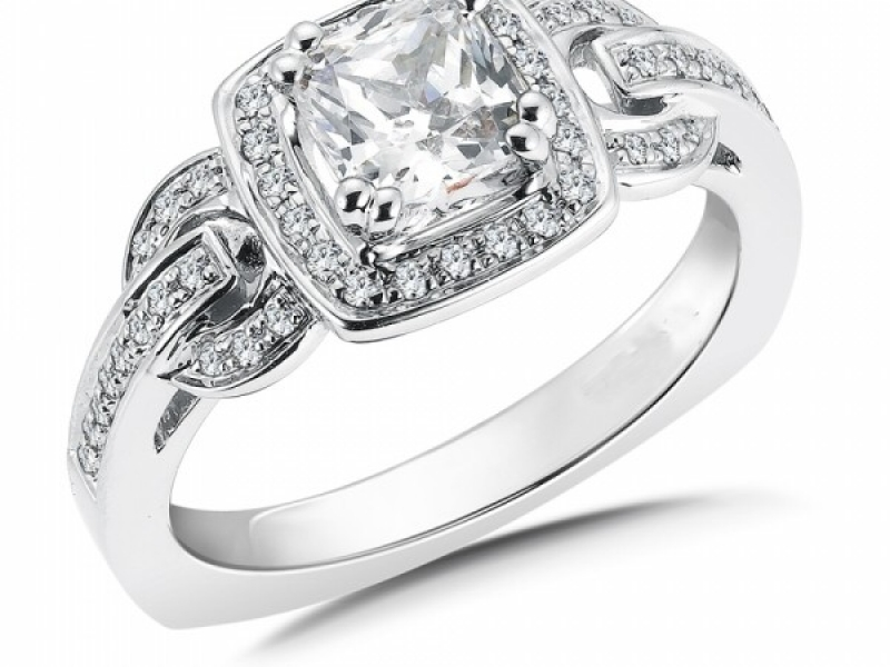 Engagement Rings - Cushion Cut Halo Diamond Ring Mounting