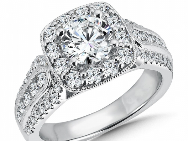 Engagement Rings - Cushion Shape Diamond Halo Mounting