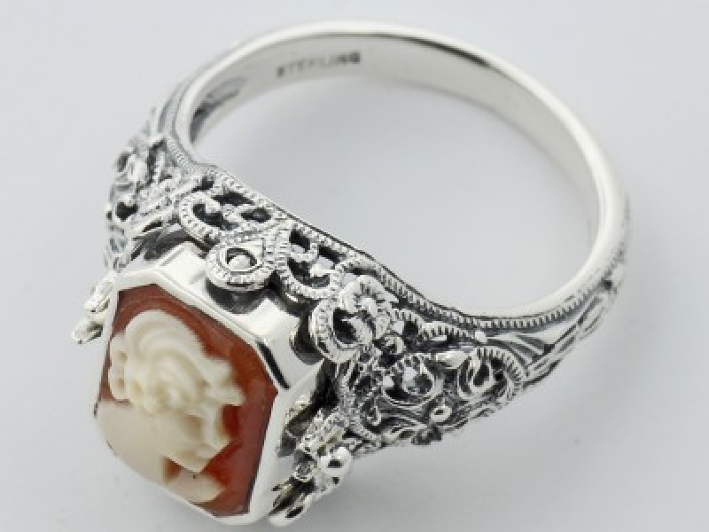 Vintage Inspired Fashion Jewelry - Sterling Silver Hand Carved Italian Cameo / Onyx Filigree Flip Ring - image #2