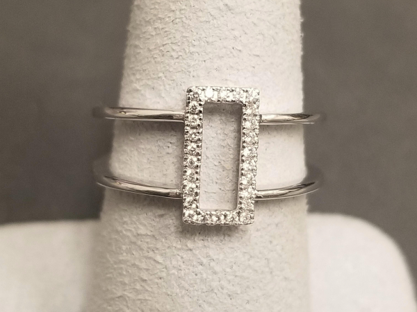 Latest Styles - 14kw Rectangular Style Dia Ring