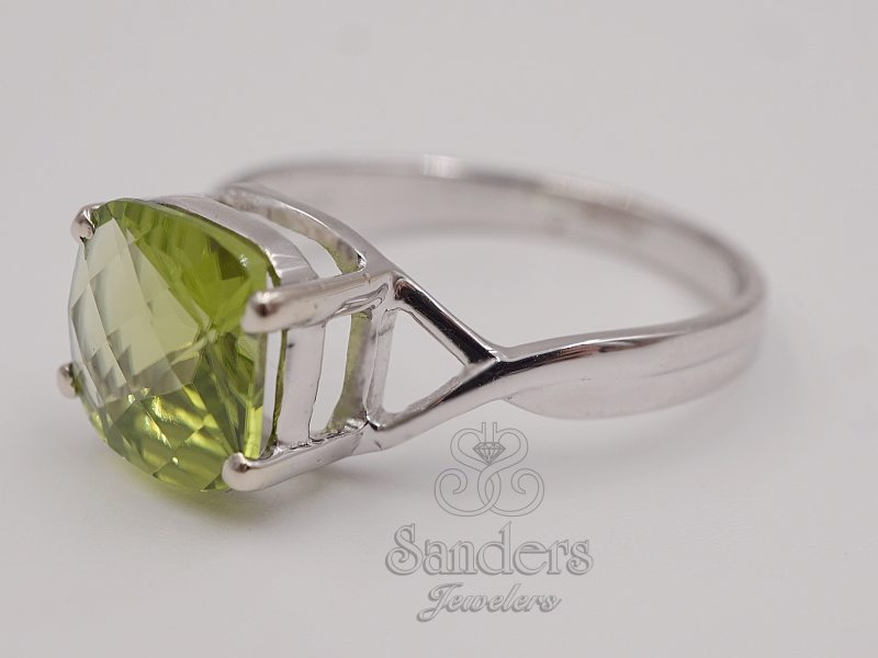 Rings - Peridot Ring - image 2