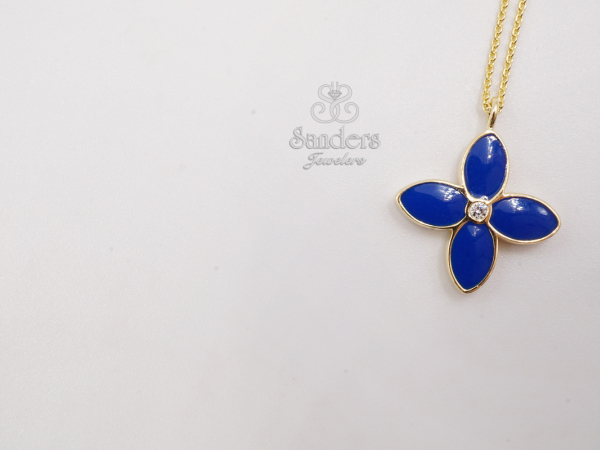 Pendants & Necklaces - Diamond Clover Pendant