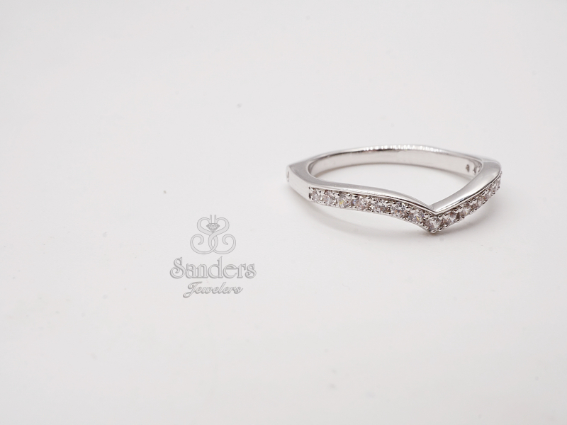 Bridal Jewelry - Pointed Diamond Wedding Band