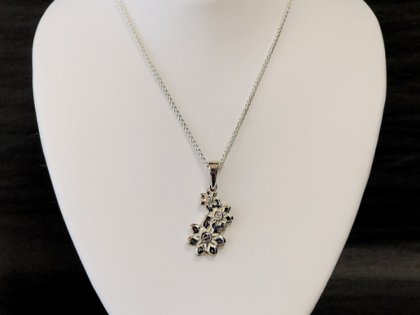 Sterling Silver Daisys and Diamonds - Sterling Silver Daisy's and Diamonds 0.15 TW