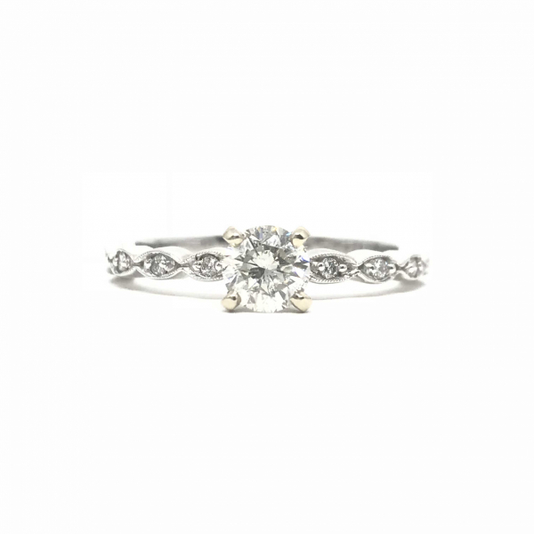 Engagement Rings - Round Diamond Engagement Ring